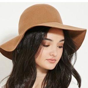 NWOT Forever 21 Tan Wool hat